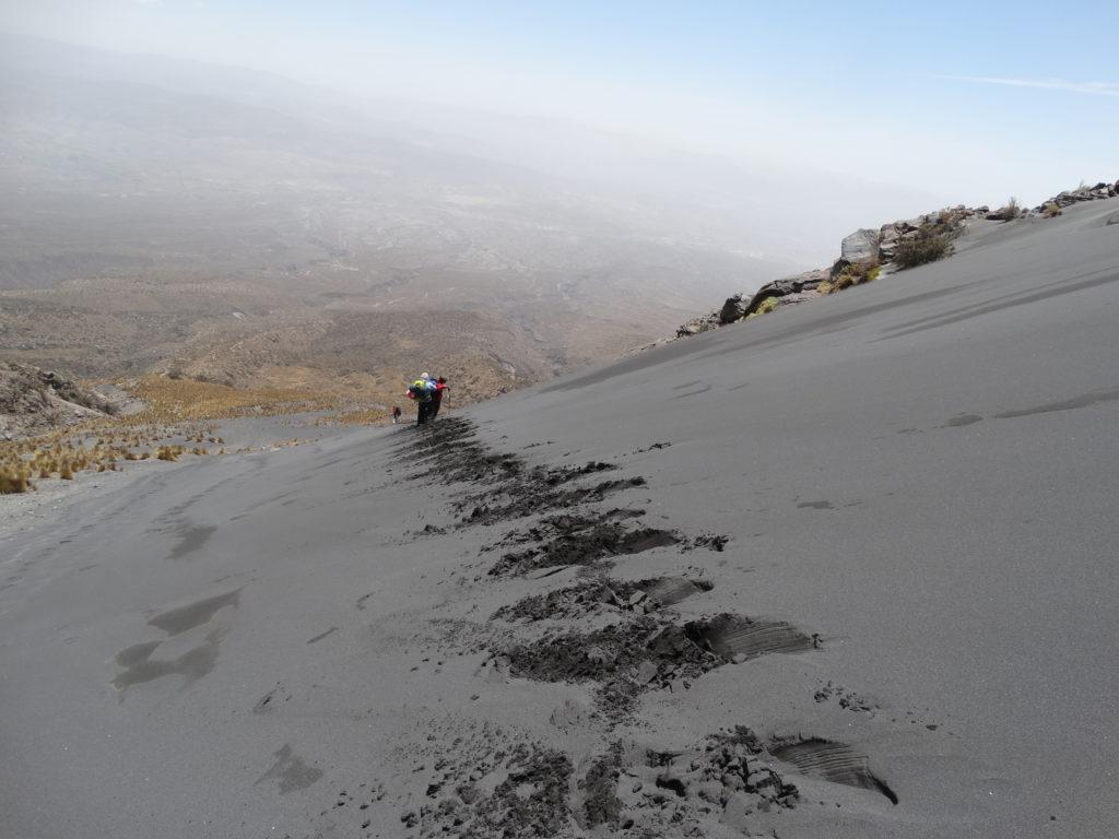 Abstieg am Misti