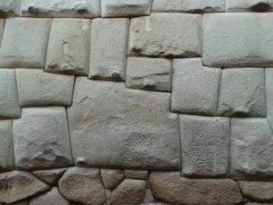 Der zwölfeckige Stein in der Calle Hatunrumiyoc