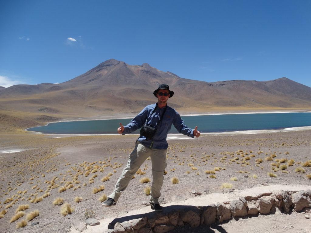Die Lagune Miñique am Fuße der Andenkordillere