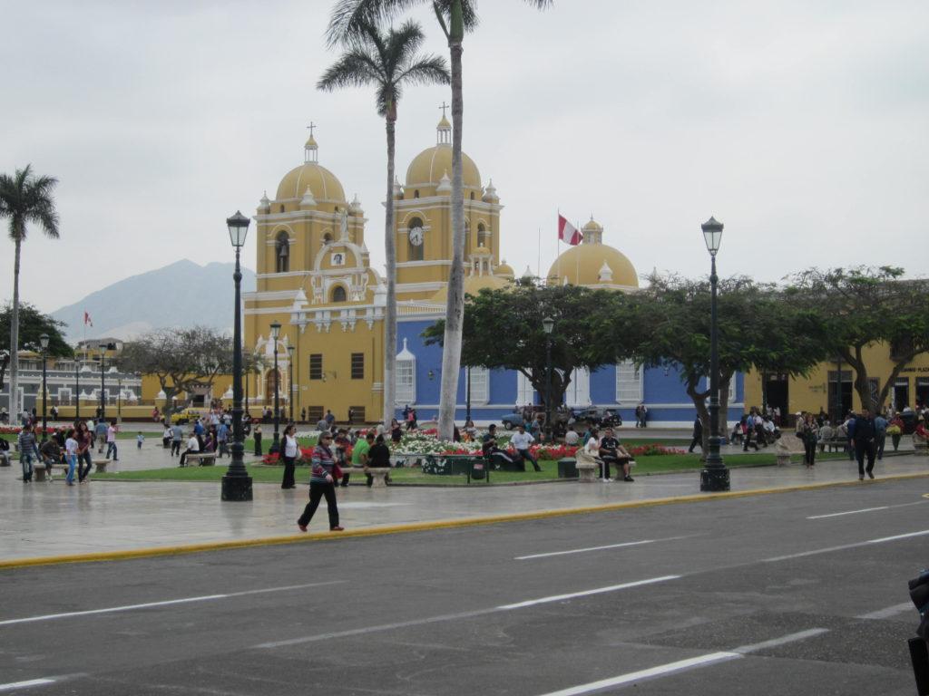 Die schöne Kathedrale von Trujillo an der Plaza de Armas