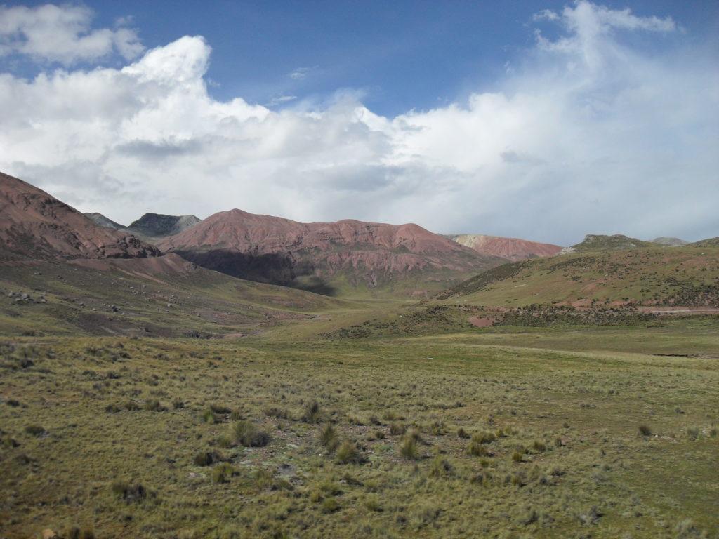 Einige der höchsten Gipfel der Westkordillere bestehen aus rötlichem Andesit
