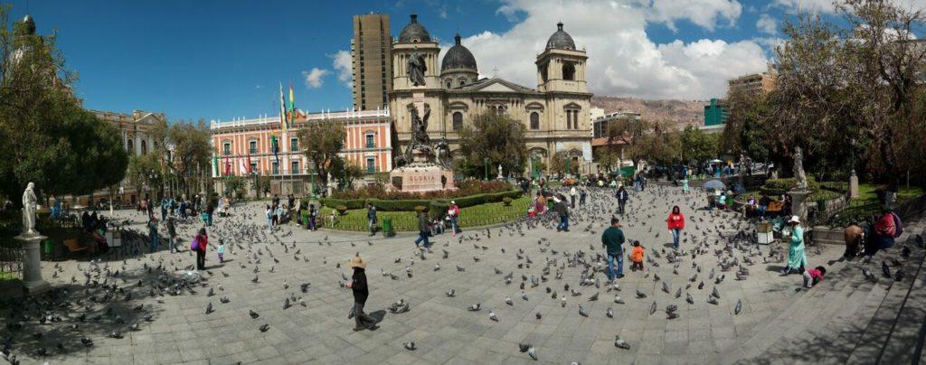 Die Plaza Murillo von La Paz ist ein Tummelplatz für Tauben