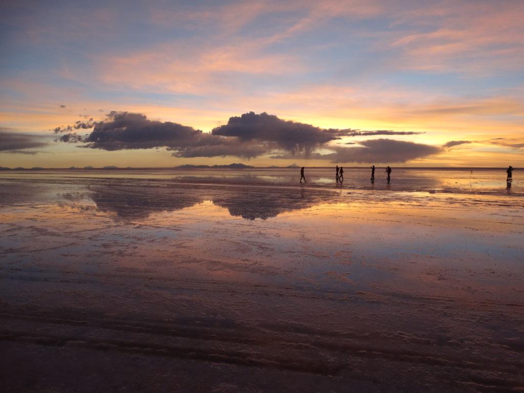 Zur Regenzeit ist der Salar de Uyni der größte natürliche Spiegel auf der Welt.