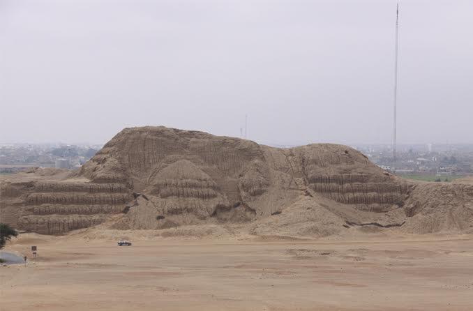 Die Mondpyramide