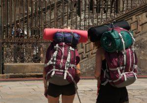 Bei der Wahl deines Backpacking-Rucksacks solltest du nicht unbedingt sparen.