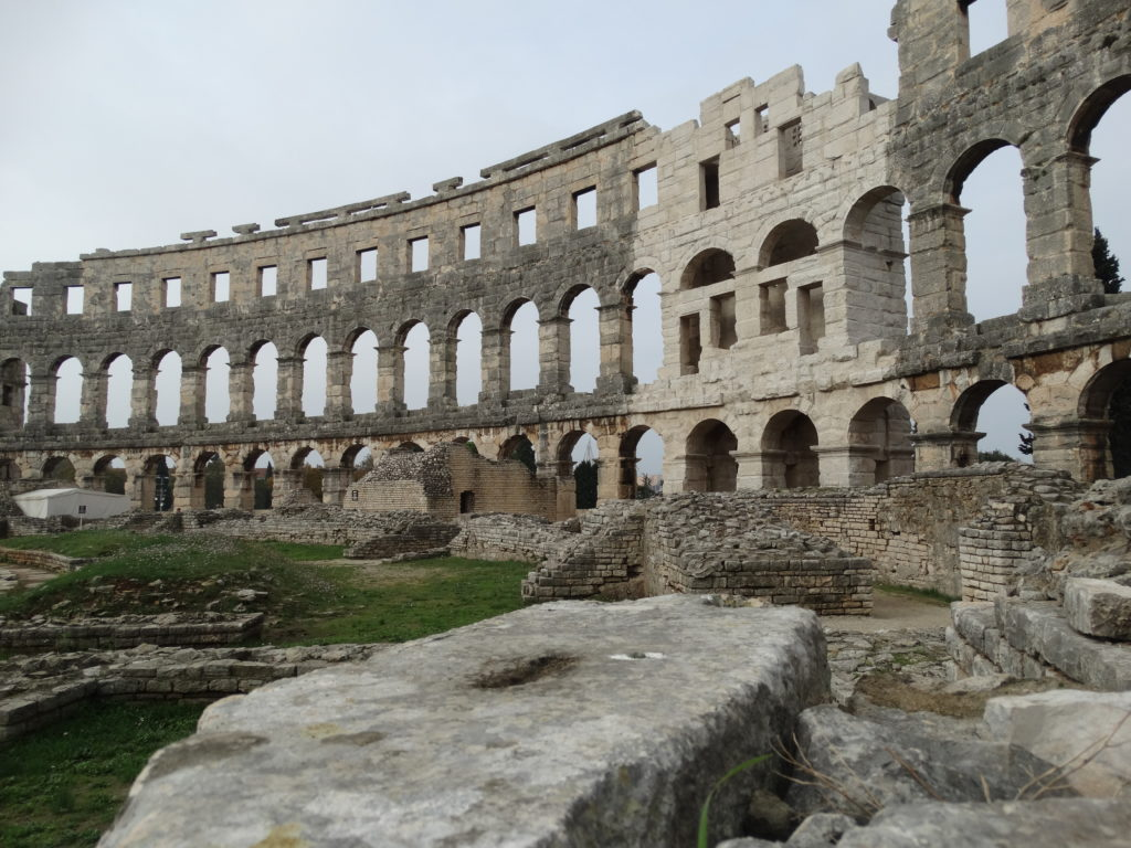 amphitheater-kolosseum-pula-iii