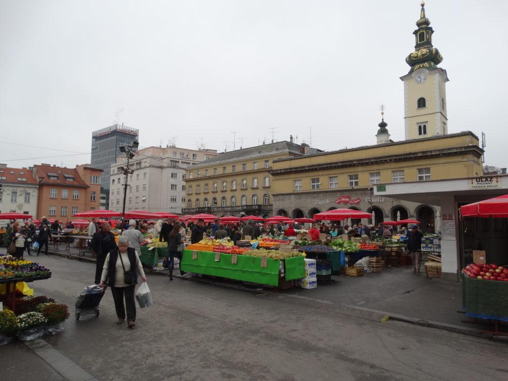 Der Dolac-Markt ist der größte und bekannteste Markt in Zagreb