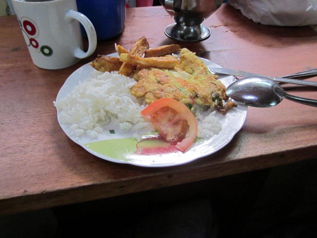 Ein leckeres Gemüse-Omelett am Mercado in Cusco für umgerechnet 1.30 €.